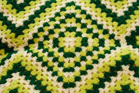 Manta Hueco Zig Zag cushion cover